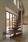 Lanai - Entry level stairway